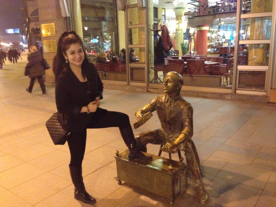 Even the shoe shiners get a monument in Skopje and I was told a shot like this one is must before leaving the city :)